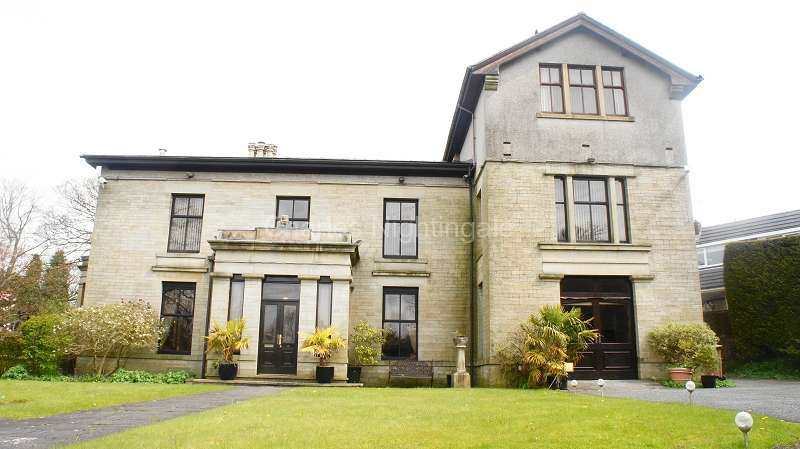 7 Bedrooms Detached House for rent in Oakenshaw View, Whitworth, Rochdale, Greater Manchester. OL12