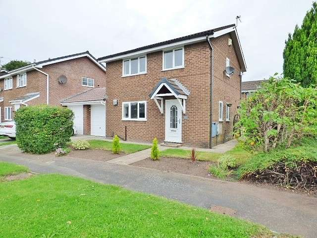 3 Bedrooms House for sale in St Asaph Drive, Callands, Warrington