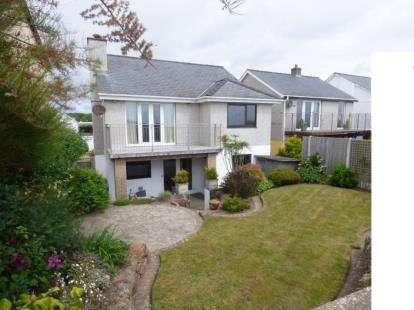 3 Bedrooms Detached House for sale in Bro Cymerau, Pwllheli, Gwynedd, LL53