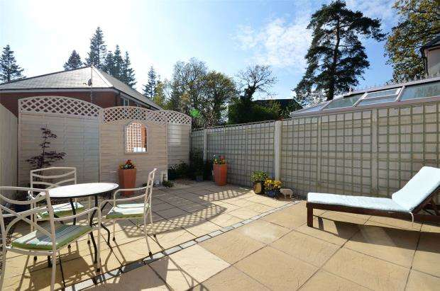 2 Bedrooms Terraced House for sale in Templer Place, Bovey Tracey, Newton Abbot, Devon