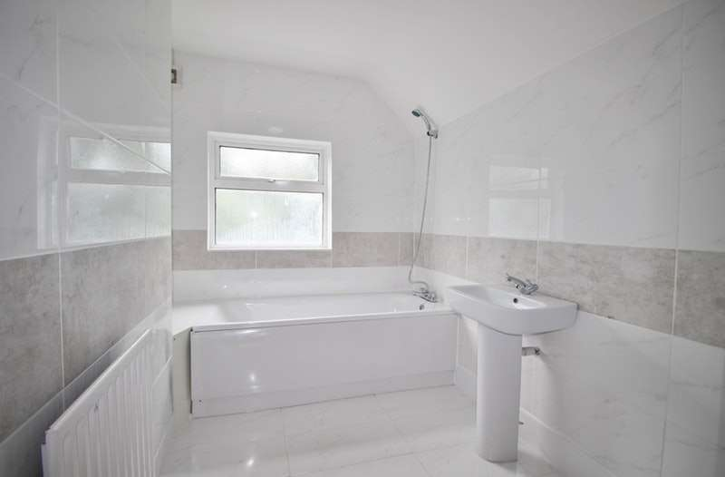 1 Bedroom Flat for sale in Pinner Hill, Harrow, Middlesex, HA5