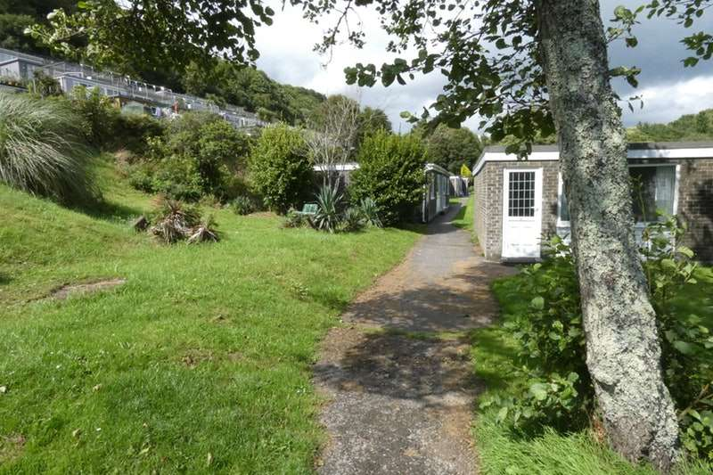 2 Bedrooms Bungalow for sale in Millendreath Holiday Village, Looe, Cornwall, PL13