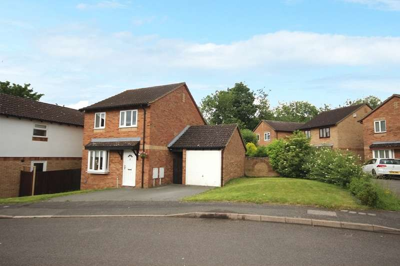 3 Bedrooms Detached House for sale in Oakleigh Drive, Northampton, Northamptonshire. NN5 6RP