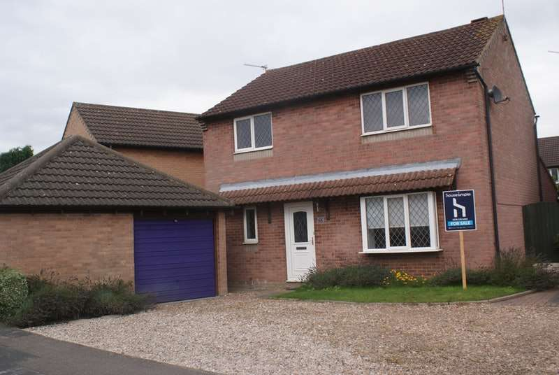 4 Bedrooms Detached House for sale in St Marys Drive, Doncaster, South Yorkshire, DN7