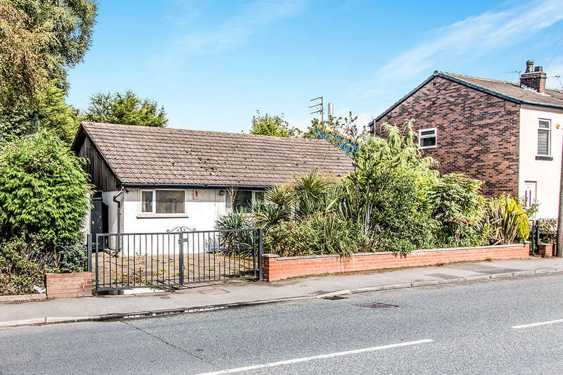 3 Bedrooms Detached Bungalow for sale in Manchester Road, Astley,Tyldesley, Manchester, M29