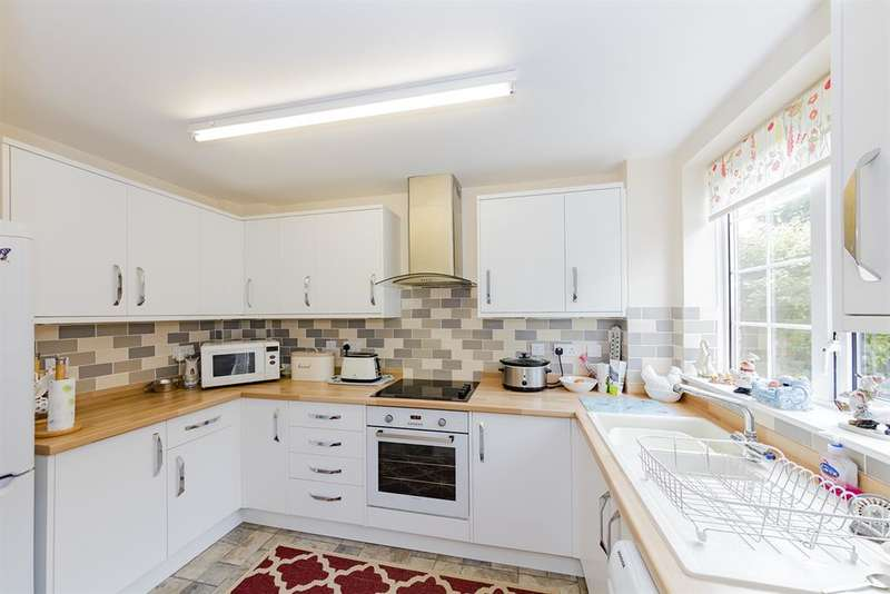 2 Bedrooms End Of Terrace House for sale in St Anthonys Way, Rustington , West Sussex, BN16 3EA
