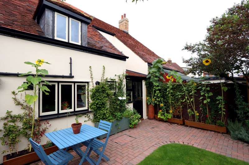3 Bedrooms Terraced House for sale in High Street, Stanwell Village, TW19