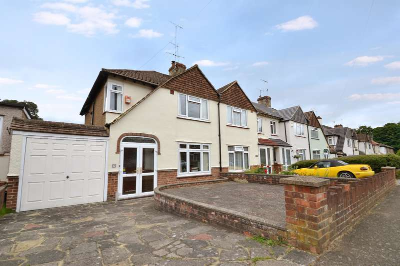 3 Bedrooms End Of Terrace House for sale in Elmwood Road, Redhill, RH1 2JD