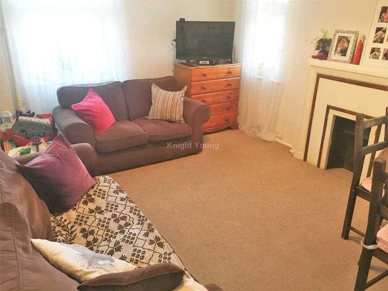 1 Bedroom Flat for sale in Wellington House, Western Avenue, Ealing, London