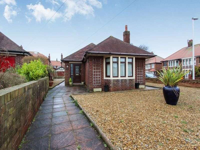 2 Bedrooms Detached Bungalow for sale in Kelmarsh Close, Blackpool, FY3