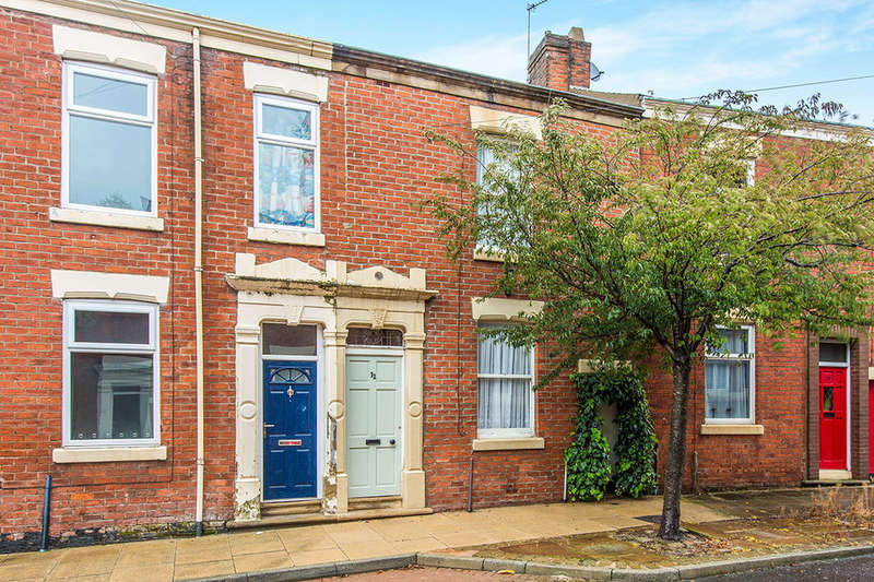 2 Bedrooms Terraced House for sale in Kenmure Place, Preston, PR1