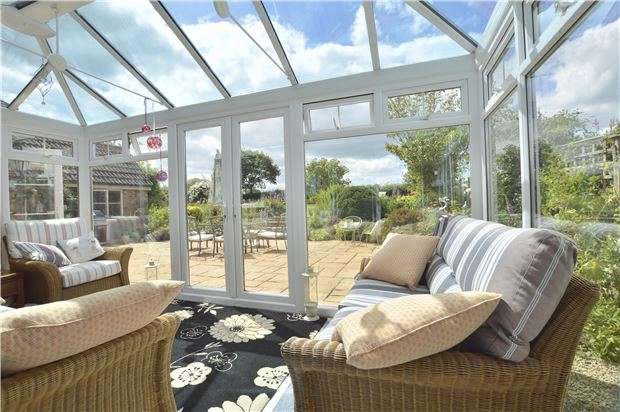 4 Bedrooms Detached House for sale in Hillend, Twyning, TEWKESBURY, Gloucestershire, GL20 6DW