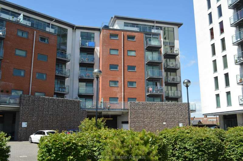 2 Bedrooms Flat for sale in Rope Quays, Gosport