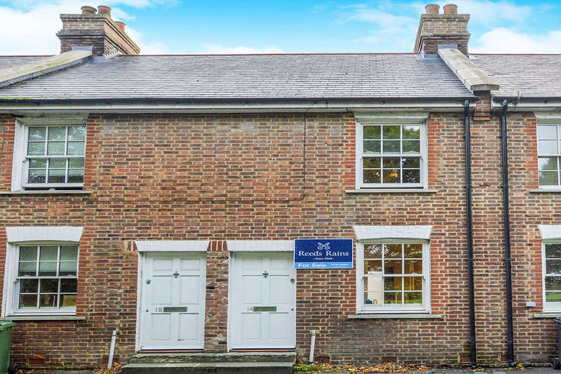 2 Bedrooms Terraced House for sale in Fishmarket Road, Rye, TN31