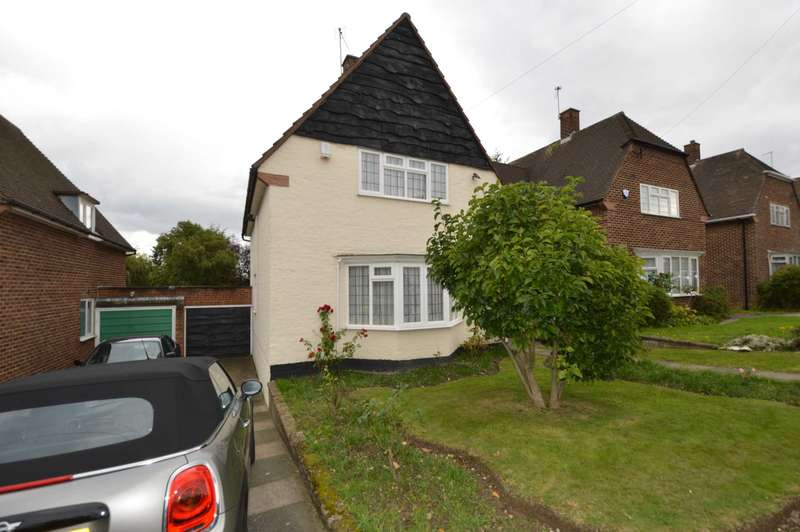 3 Bedrooms Detached House for sale in Greenway Close, London N20