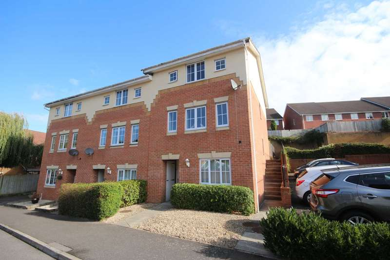 4 Bedrooms Town House for sale in Hopper Vale, Bracknell