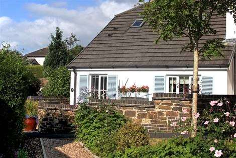 2 Bedrooms Bungalow for sale in Chyvelah Vale, Truro