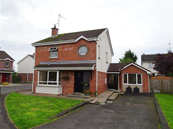 3 Bedrooms Detached House for sale in 32 Ashdale