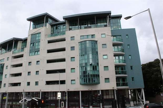 1 Bedroom Flat for sale in 26 The Crescent, Plymouth, Devon