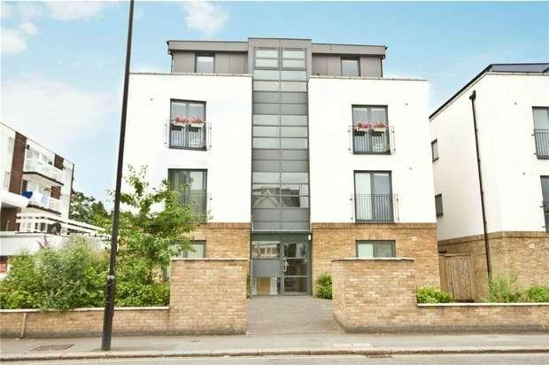 2 Bedrooms Flat for sale in Gunnersbury Lane, Ealing