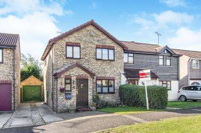 3 Bedrooms Semi Detached House for sale in Wickford, Essex, United Kingdom