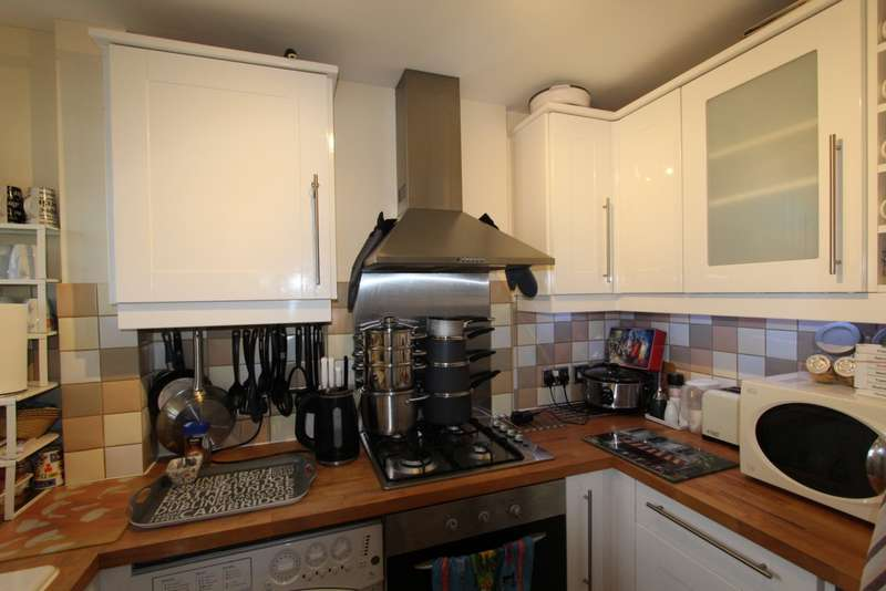 3 Bedrooms Detached House for sale in Belfast Road, South Norwood, SE25