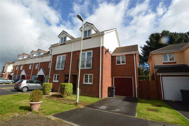 4 Bedrooms Semi Detached House for sale in Woodmans Crescent, Honiton, Devon