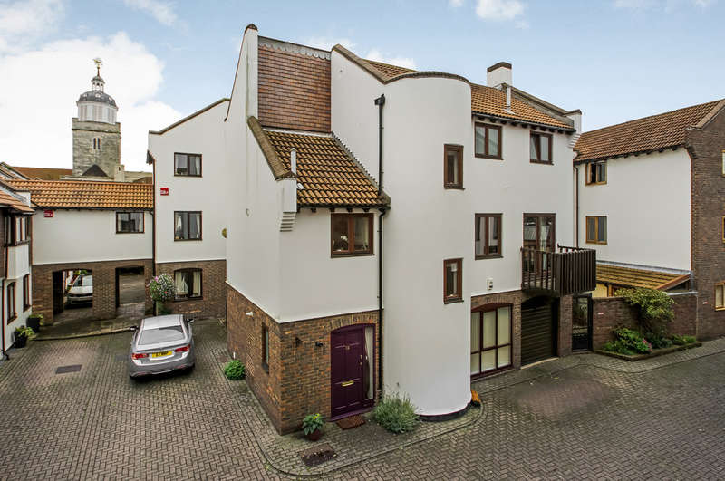 4 Bedrooms Detached House for sale in Old Portsmouth, Hampshire