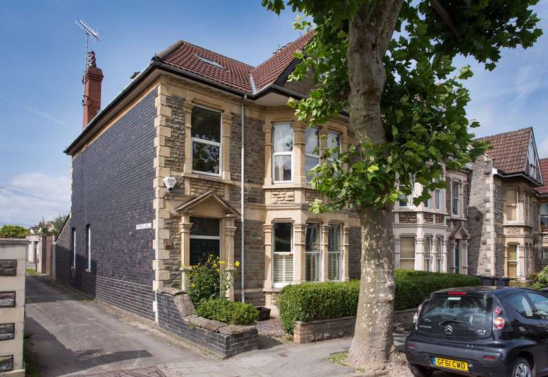 4 Bedrooms Terraced House for sale in 93 Coldharbour Road