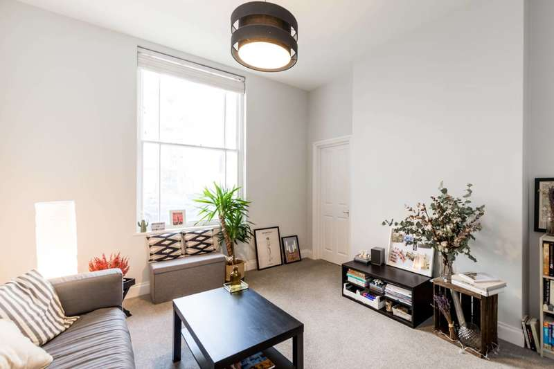 2 Bedrooms Flat for sale in Charlwood Street, Pimlico, SW1V