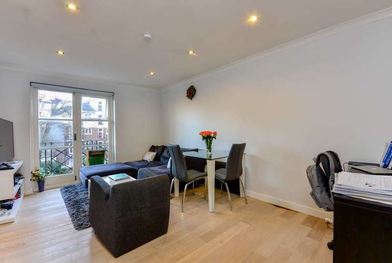 Studio Flat for sale in Brompton Park Crescent, West Brompton, SW6