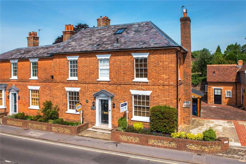 3 Bedrooms Flat for sale in West Street, Farnham, Surrey, GU9