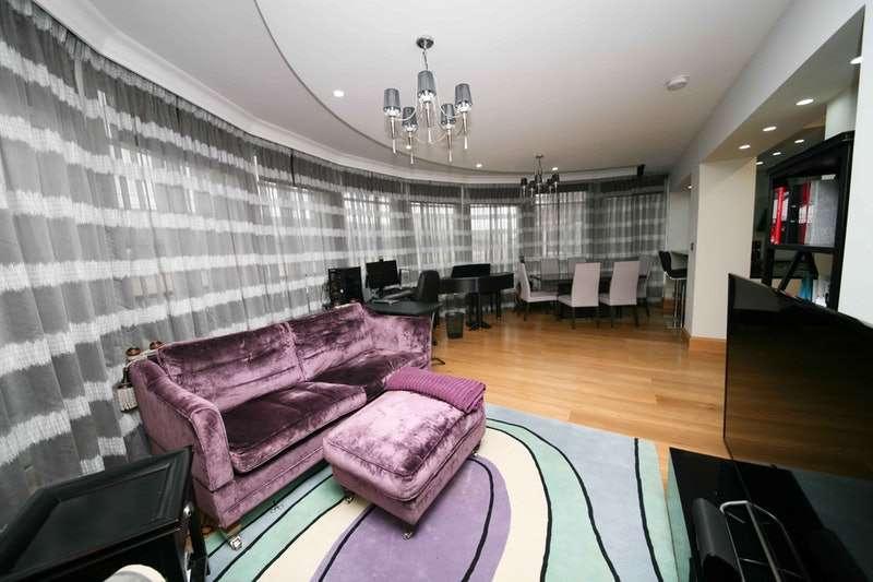 3 Bedrooms Flat for sale in Marsham Street, London, London, SW1P