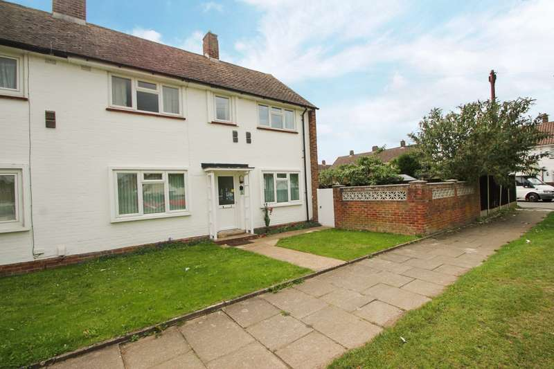 3 Bedrooms Semi Detached House for sale in Caledonia Road, Stanwell, TW19
