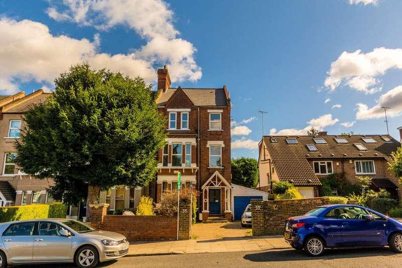1 Bedroom Flat for sale in Kent Gardens, Ealing, W13