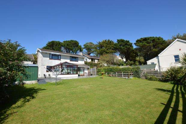 4 Bedrooms Detached House for sale in Chyverton Close, Newquay, Cornwall
