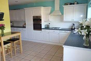 3 Bedrooms House for sale in Chelmsford Road, North End, Portsmouth, PO2 0JY