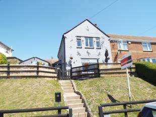 2 Bedrooms Semi Detached House for sale in Napier Road, Dover, Kent