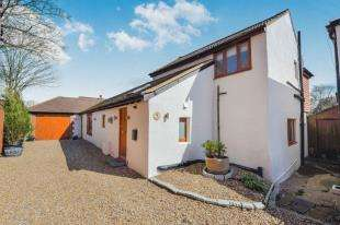 4 Bedrooms Detached House for sale in School Hill, Merstham, Redhill, Surrey