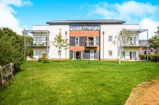 1 Bedroom Flat for sale in The Kilns, Redhill, Surrey
