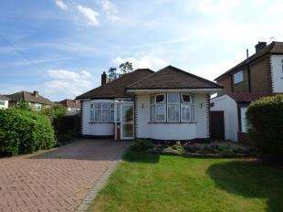 2 Bedrooms Bungalow for sale in Tower View, Shirley, Croydon, Surrey