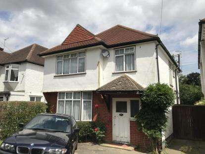 3 Bedrooms Detached House for sale in Brookdene Avenue, Watford, Hertfordshire