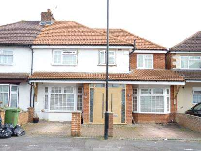 4 Bedrooms Semi Detached House for sale in Costons Avenue, Greenford