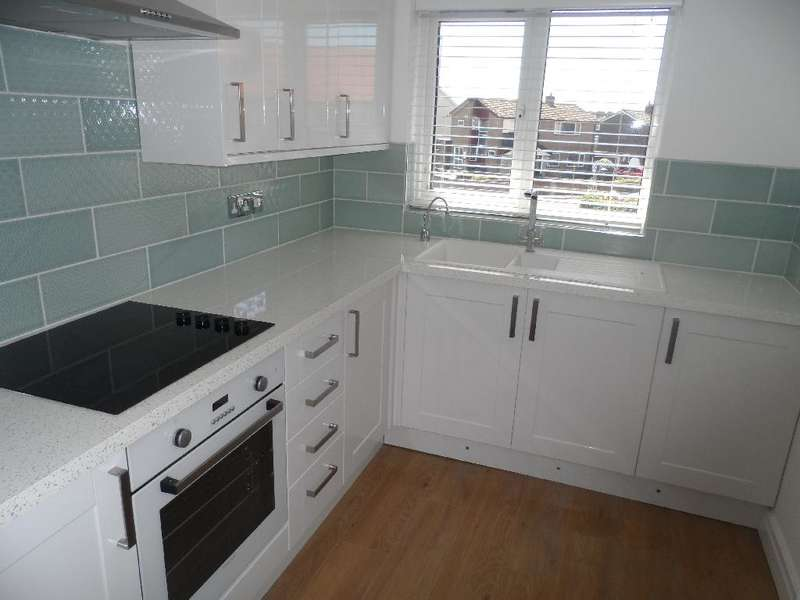 2 Bedrooms Property for sale in 24, Thornton-Cleveleys, FY5 1HD