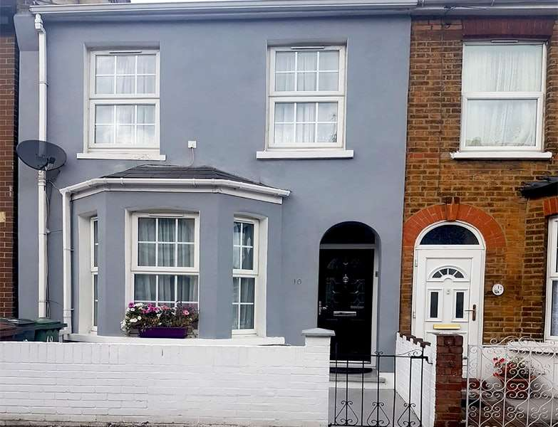 2 Bedrooms Semi Detached House for sale in Salisbury Road, London, London, E4
