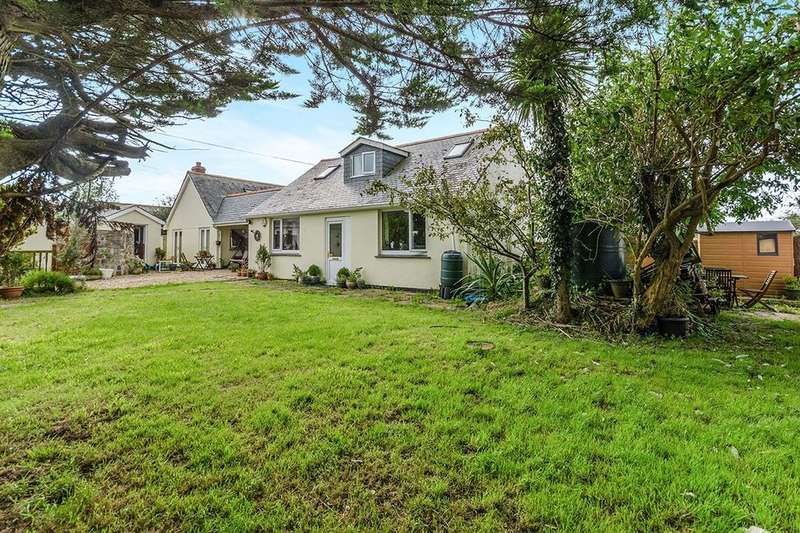 5 Bedrooms Detached Bungalow for sale in The Circle Johns Corner, Rosudgeon, Penzance, TR20
