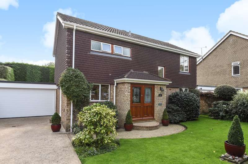 4 Bedrooms Detached House for sale in Walton on Thames