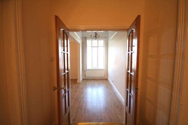 3 Bedrooms Flat for sale in Lord Street West, Southport, PR8 2BJ