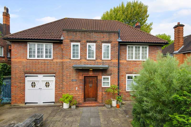 5 Bedrooms Detached House for sale in Lyndale, The Hocrofts