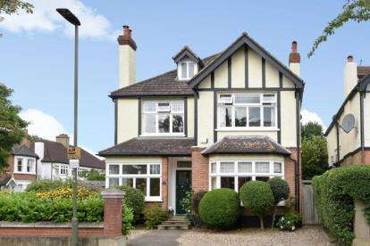6 Bedrooms Detached House for sale in Elm Road, Beckenham